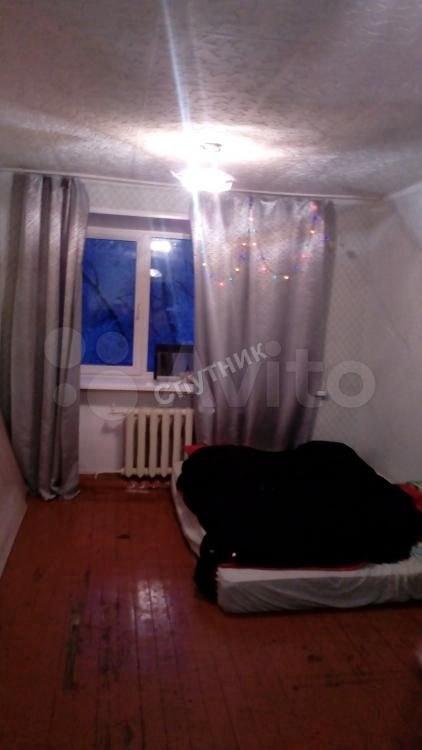 Комната п. Инской