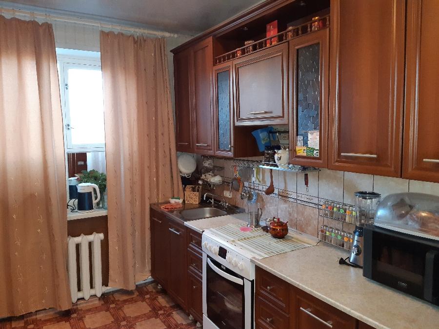Продам дом в центре города Белово